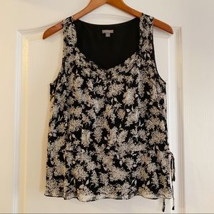 Ann Taylor black w/ white flower sleeveless blouse